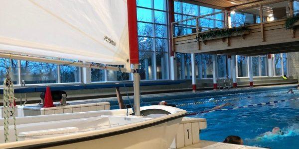 Optis in der Schwimmhalle